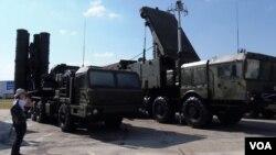 Зенитный ракетный комплекс (ЗРК) С-400