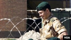 Tentara Inggris sedang bertugas di Afghanistan