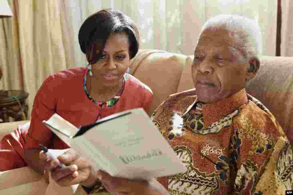 Мишель Обама и Нельсон Мандела