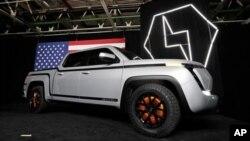 Esta foto del 25 de junio de 2020 muestra la camioneta eléctrica De GM Endurance pick-up en Lordstown Motors Corporation, en Lordstown, Ohio