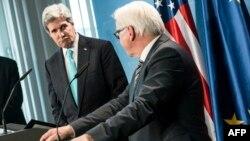 美國國務卿克里周五訪問柏林與德國外長在新聞發佈會上。