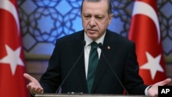 La visita de Erdogan a Washington es vista como la etapa más importante de una gira internacional para promover su legitimidad.
