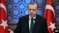Presidente turco participa em fórum de negócios em Maputo