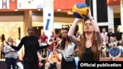 WNBA-ს ორგზის ჩემპიონი შერი სემი ქართველ გოგონას ემოციურად უჭერს მხარს