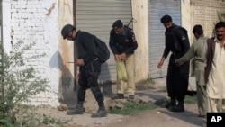 巴基斯坦警方在現場調查
