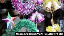 کراچی میں کرسمس کی خریداری کی تصویری جھلکیاں