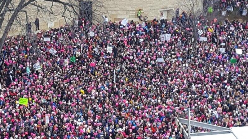 خواتین کا امریکہ میں اپنے حقوق کے لیے بڑا مظاہرہ