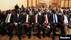 남수단 반군 대표단이 4일 에티오피아 아디스아바바에서 열린 평화회담 개회식에 참석하고 있다.