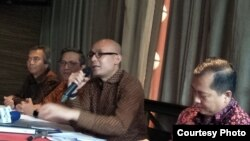 Jumpa pers kementerian luar negeri soal Bali Democracy Forum, Kamis, 30 November 2017. (Foto: VOA/Fathiyah)
