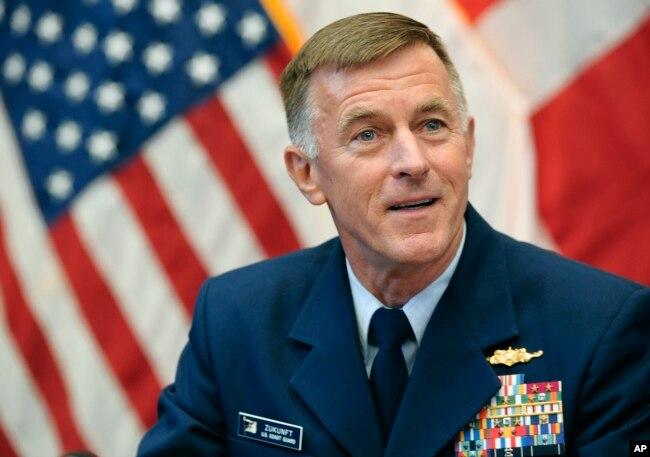 美國海岸警衛隊司令楚孔夫特(Admiral Paul Zukunft)上將(2015年10月)