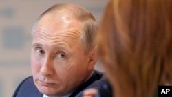 သမၼတ Putin လူႀကိဳက္မ်ားမႈ က်ဆင္း
