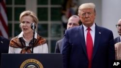 特朗普總統在白宮冠狀病毒應對措施記者會上。(2020年3月13日)