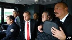 Президент Турции Реджеп Тайип Эрдоган (третий слева), Президент Азербайджана Ильхам Алиев (справа) и премьер-министр Грузии Георгий Квирикашвили. Баку, Азербайджан. 30 октября 2017 г7