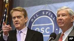 National Oil Spill Commission Co-Chairmen, Bob Graham, right, and William Reilly, discuss their report at a news conference at the National Press Club in Washington, DC, Jan. 11, 2011