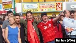 7月28日莫斯科捍衛互聯網自由集會的參加者。 (美國之音白樺拍攝)