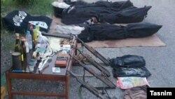 تصویری که پلیس از کشته های درگیری در استان هرمزگان و تجهیزات آنها منتشر کرده است.