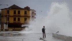 کرانه های شرق امریکا برای تند باد ایرن آماده می شوند