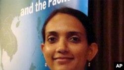 ທ່ານນາງ Deepika Naruka ເຈົ້າໜ້າທີ່ປະສານງານຂອງຫ້ອງການ UNODC ປະຈຳບາງກອກ ທີ່ເວົ້າວ່າ ກະແສຟອງຂອງການຈັບກຸມ ພວກຄ້າຢາເສບຕິດ ທີ່ຜິດກົດໝາຍຈາກອີຣ່ານ ຢູ່ໃນທົ່ວເຂດເອເຊຍ ຕະຫລອດໄລຍະ 2 ປີຜ່ານມານີ້ເພີ້ມຂຶ້ນຫລາຍຢ່າງໜ້າປະຫລາດໃຈ