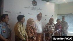 Menteri Koordinator Bidang Pembangunan Manusia dan Kebudayaan Muhadjir Effendy saat menggelar konferensi pers bersama sejumlah kementerian terkait di Jakarta, pada Selasa (28/1/2020). Foto: Sasmito