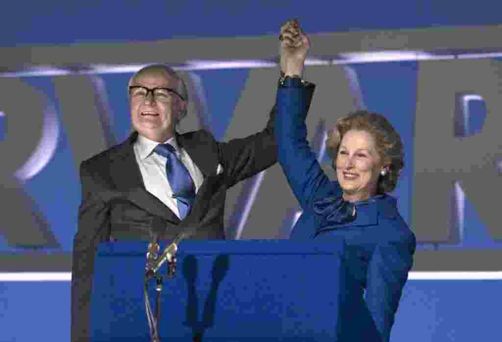مریل استریپ نامزد بهترین بازیگر زن برای ایفای نقش مارگارت تاچر، نخست وزیر سابق بریتانیا در فیلم بانوی آهنین