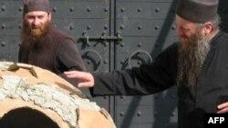 აბბა ალავერდელი მიტროპოლი დავითი ალავერდის მონასტრის დედა ქვევრთან