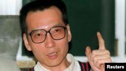 Nhà hoạt động Lưu Hiểu Ba trong một cuộc phỏng vấn năm 1995 (ảnh tư liệu)