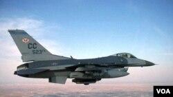 Pesawat tempur F-16 milik AS seperti inilah yang diupayakan akan dijual ke Taiwan.