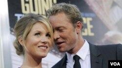 Applegate y LeNoble se prometieron el pasado año, al tiempo que anunciaron su embarazo el pasado mes de julio.