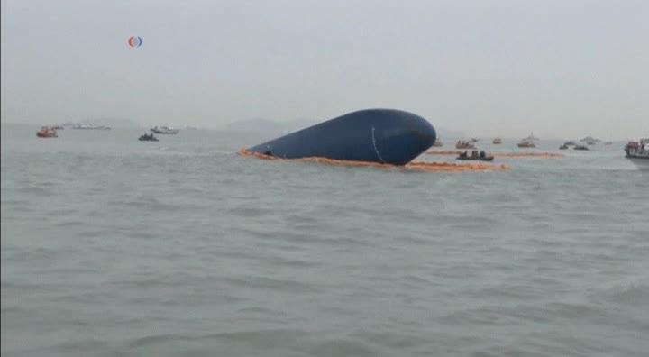 Sigue rescate del barco hundido