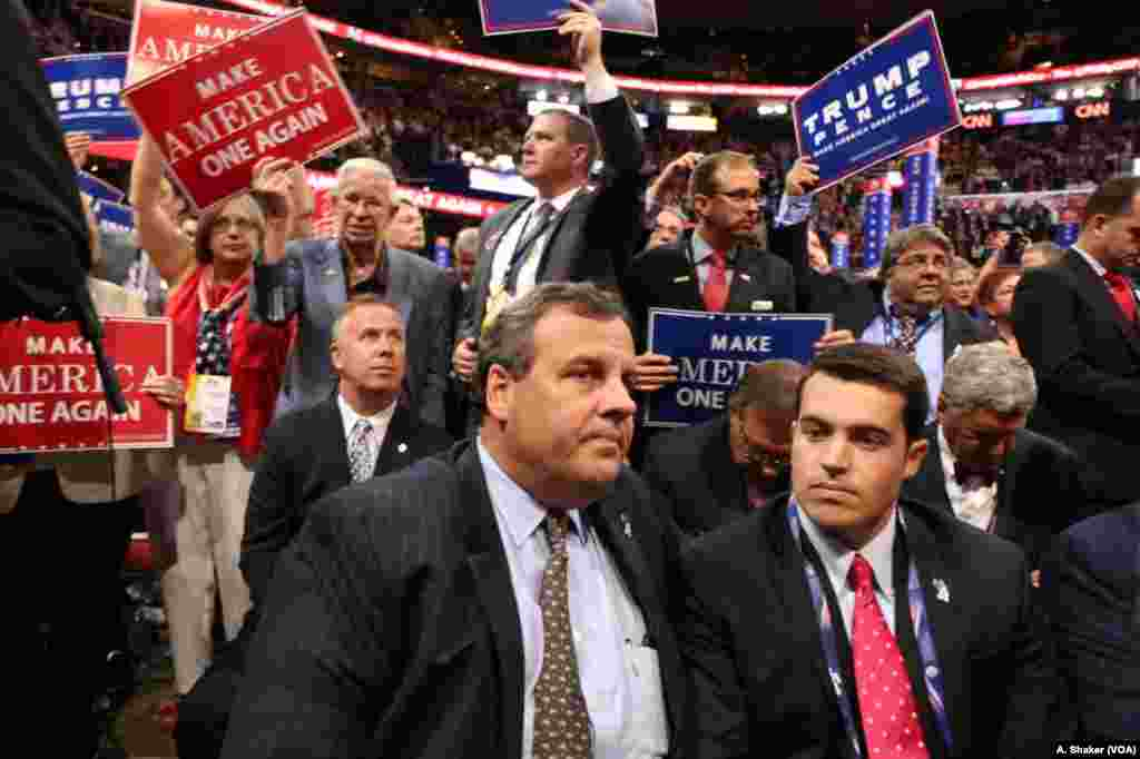 Gubernur New Jersey Chris Christie pada hari terakhir Konvensi Nasional Partai Republik di Cleveland, Ohio (21/7).