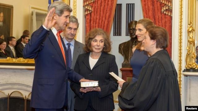 Ông Kerry tuyên thệ nhậm chức Bộ trưởng Ngoại giao