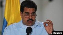 El presidente de Venezuela es señalado por los empresarios por no tomar las medidas que necesita la economía.