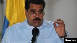 El gobierno del presidente Nicolás Maduro ha recibido serias críticas de los artistas venezolanos que viven dentro y fuera del país.