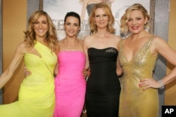 "Premiere de ""Sex And The City 2"". Desde la izq., Sarah Jessica Parker, Kristin Davis, Cynthia Nixon y Kim Cattrall. Radio City Music Hall, Nueva York, 24-5-10."