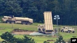 資料照片:南韓尚慶北道星州郡高爾夫球場的美軍薩德導彈防禦系統。(2017年9月6日)