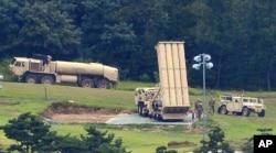 미군이 한국 성주에 배치한 사드(THAAD) 고고도미사일방어체계 발사대.