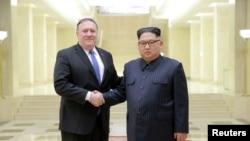 دیدار مایک پمپئو وزیر خارجه ایالات متحده با کیم جونگ اون رهبر کره شمالی در پیونگ یانگ - مه ۲۰۱۸