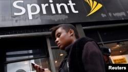 Sprint es el tercer proveedor en tamaño en EE.UU. de servicios telefónicos inalámbricos.
