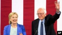 Хиллари Клинтон и Берни Сандерс