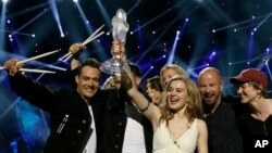 Nữ ca sĩ Đan Mạch Emmelie de Forest thắng giải bài hát hay nhất Châu Âu trong năm do đài Eurovision tổ chức.