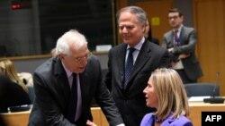 """El ministro de Relaciones Exteriores español, Josep Borrell, ha dicho en el pasado sobre Venezuela que""""notodas las posiciones están sobre la mesa""""."""
