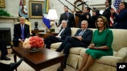 Predsjednik Donald Tramp sa liderima u Kongresu