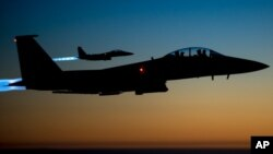 Jet tempur milik AS terbang di atas Irak utara setelah melakukan serangan udara di Suriah. (Foto: Dok)