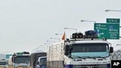 북으로 향하는 민간지원 식량 (자료사진)