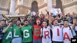 Abanya Algeriya mu myiyerekano Alger, itariki 15/03/2019.