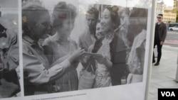俄羅斯塔斯社今年夏季展出照片介紹俄中關係。中國電影女演員於藍1961年出席莫斯科國際電影節。