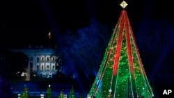 El Árbol Nacional de Navidad en el Parque del Presidente en la Elipse de Washington, el miércoles 28 de noviembre de 2018.