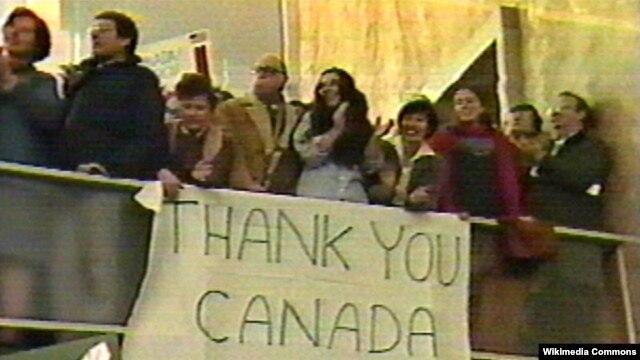 Dân Mỹ bày tỏ sự biết ơn đối với những nỗ lực của Canada để giải cứu các nhà ngoại giao Mỹ trong vụ khủng hoảng con tin ở Iran năm 1979.
