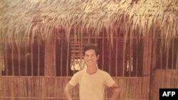 Bác sỹ Nguyễn Đức Chấn ở trại đường bộ Phnom-Samet