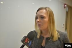 터프츠 대학 플레처 법학외교전문대학원 학생인 맥킨지 머헤드 씨가 VOA와 인터뷰하고 있다.